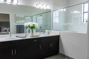 clean the bathroom when packing for the move