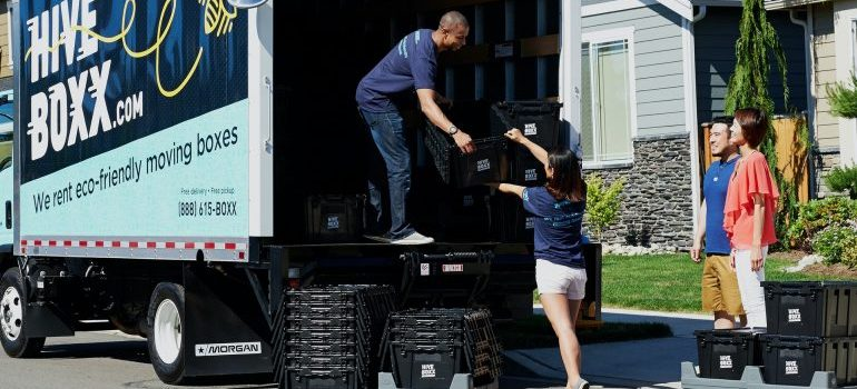 People helping their movers